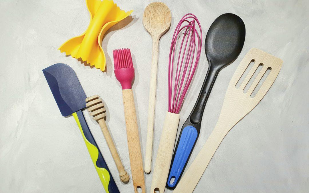 Kochen mit Baby und Kleinkind: 9 einfache Beschäftigungsideen in der Küche