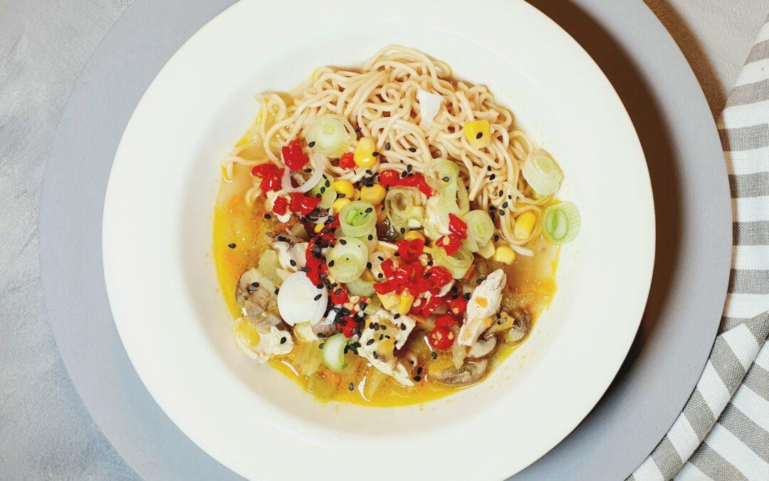 Asiatischer Suppeneintopf: einfach gesund kochen für die ganze Familie
