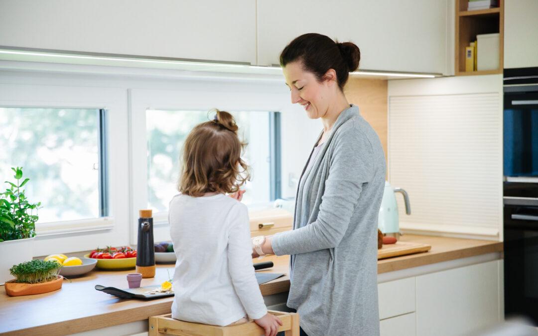 Bewusst essen mit Kindern: 5 Tipps, um Kinder entspannt an eine gesunde Ernährung heranzuführen